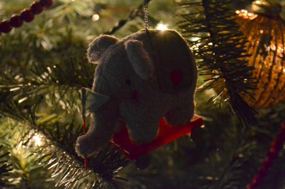you can't tell from the photo, but this is a 'baby's first Christmas' ornament...