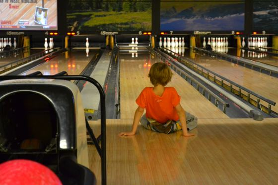 we started the weekend celebrating our nephew's birthday with some bowling...