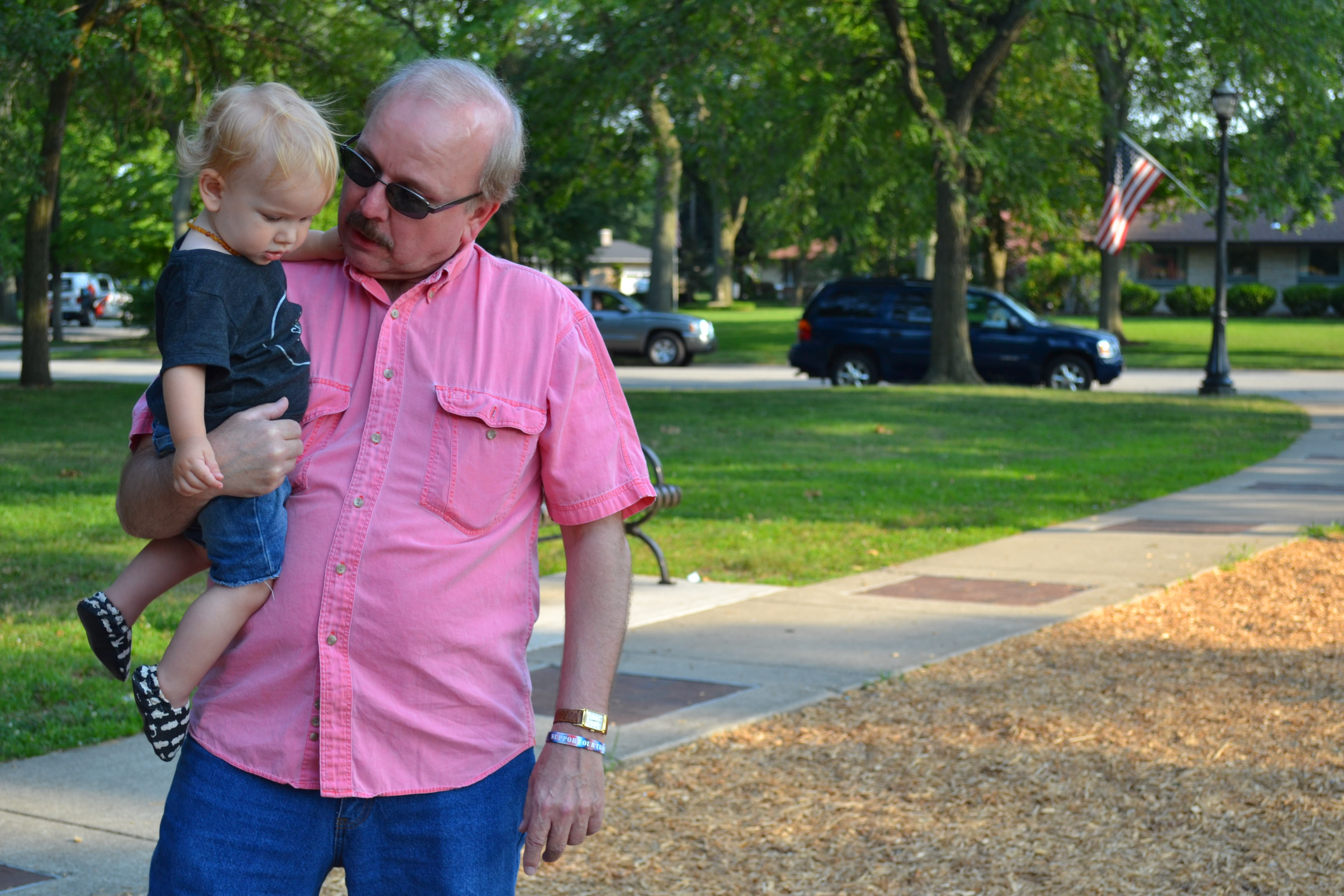 during our visit to Chicago, Lincoln spent some time at the park with Grandpa